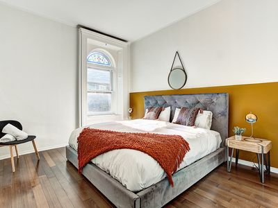 Photo for Trendy 3BR *Best views of DT* |WALK EVERYWHERE| + Private Terrasse
