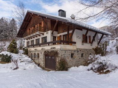 Photo for Family chalet *** 14 people Mont-Blanc escape area
