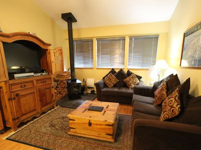Photo for Pet Friendly, Cozy, Walk to Eagle Lodge