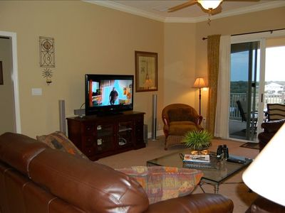 Photo for #944-3/2 Condo with 47' Hdtv, Leather Furniture & New Carpet