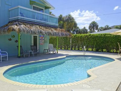Photo for Champagne Shores: Adorable, Great Location, Heated Pool, Short Block to Beach!!!