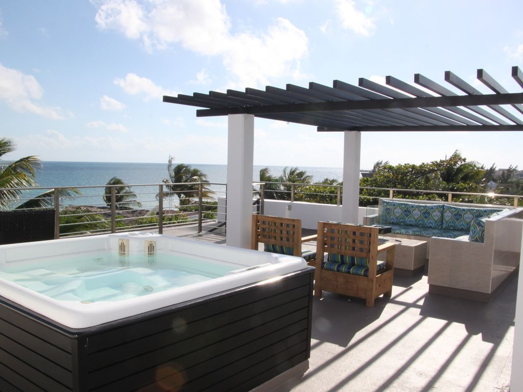 OCEAN FRONT PENTHOUSE CONDO, PRIVATE OUTDOOR LIVING SPACE ...
