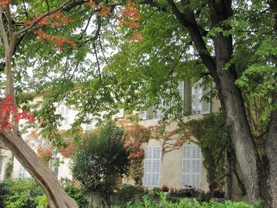 Photo for Eighteenth Provencal house in leafy Mazarin historic center park
