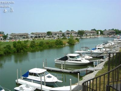 Fishermen and Families.  Free dock and internet!  Very spacious condo!