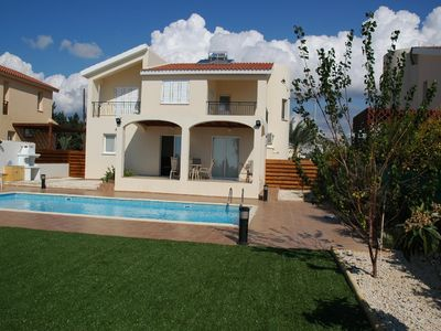 Photo for Coral Bay 3 bedroom Villa with private pool and air conditioning