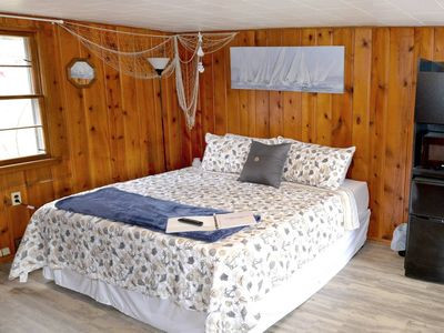 Whitehall Cottages Boutique Motel #1 - King Bed