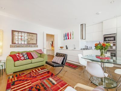 Photo for Beautiful loft flat offers modern design within a stone's toss of London Theater