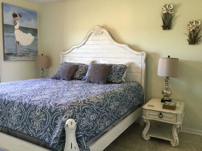Photo for Superior Gulf Front with King Master Suite, 2 bed rooms, 2 baths, sleeps 6!