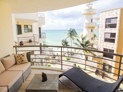 Photo for Spacious apartment overlooking the sea, a few steps from Fifth Avenue.
