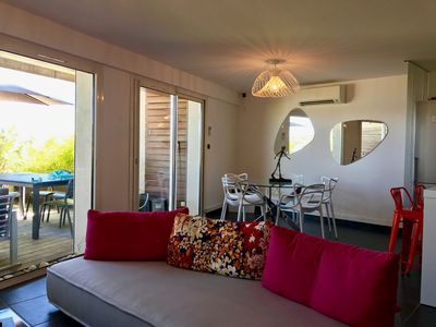 Photo for Standing apartment for 6 people with sea view and direct access to the sea
