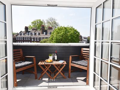 Photo for 5* Greenwich Apartment
