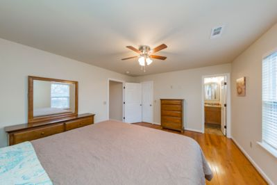 Added: 40in Smart TV Netflix and Hulu with cable in each bedroom
