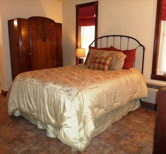 Photo for Bella Paradiso #1, Queen 1 bedroom, BEST VALUE DOWNTOWN