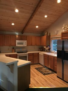 Photo for Tahoe Retreat: 3BR 2BA, Jacuzzi, Large Sunny Deck, Ample Parking