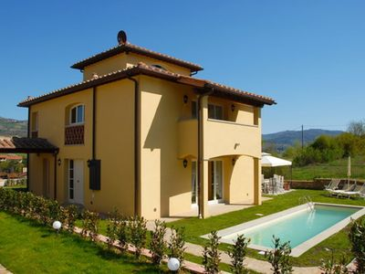 Photo for Private Villa with WIFI, A/C, private pool, TV, panoramic view, parking, close to Greve In Chianti