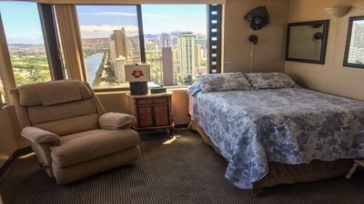 Photo for Cheap Waikiki Adjoining Studios with Full Kitchen Sleeps 6