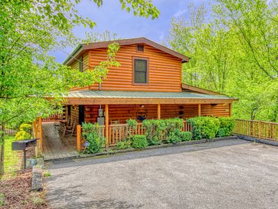 Photo for Pigeon Forge Cabin Swimming Pool Cabin GONE SWIMMIN' 260