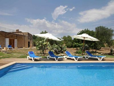 Photo for Mallorcan style house with pool and air conditioning 4 km from the sea