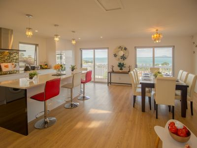 Photo for Panoramic Seaview 2-Bedroom Home