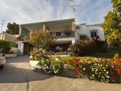 Photo for Beautiful house with garden 3 minutes from the beach