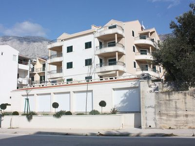 Photo for Two bedroom apartment with balcony and sea view Tučepi (Makarska)