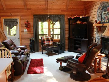 Beautifully Furnished Secluded Cabin In Pine Mt/Warm Springs Near Callaway & FDR
