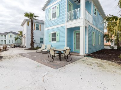 Photo for Margaritaville Cottage with private hot tub! Lagoon pool and Tiki Bar on-site. Minutes to Disney!