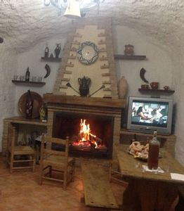 Photo for Self catering Cueva El Monterón for 5 people
