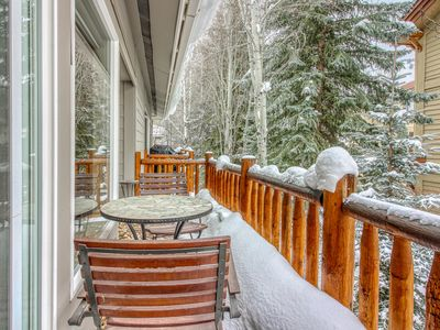 Photo for Lovely dog-friendly home w/full kitchen - close to skiing & downtown Ketchum!