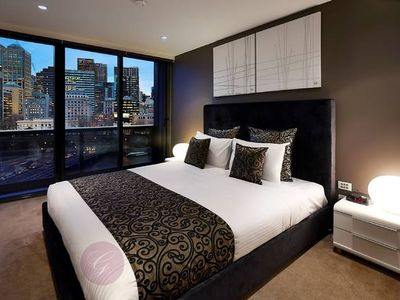 Photo for Breathtaking 3 Bed / 3 Bath on the Yarra River