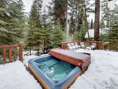 Photo for Spacious mountain cabin with private hot tub, shared pool - beach nearby