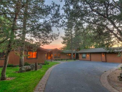 Photo for Spacious Custom Home with Fantastic River and Mountain Views! Free SHARC Passes