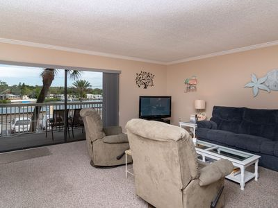 Photo for Relax in this 2/2 Condo with Intracoastal View and Steps to the Gulf