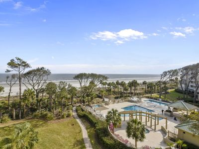 Photo for 4th floor 2 bedroom, 2 bath Hampton Place in Palmetto Dunes with ocean and pool views!