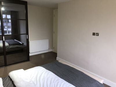 Photo for Central Large Modern 3 bed in Swiss Cottage