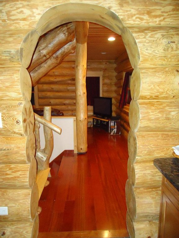 OUR BEAUTIFUL HANDCRAFTED LOG HOME IS HERE FOR YOUR BEST VACATION EVER!!!!!
