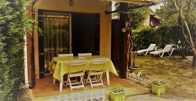 Photo for House 40m² 200m from the lake with 90m² garden Hourtin-Port