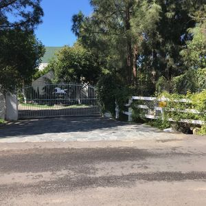 Gated Entry to Stosic Stables