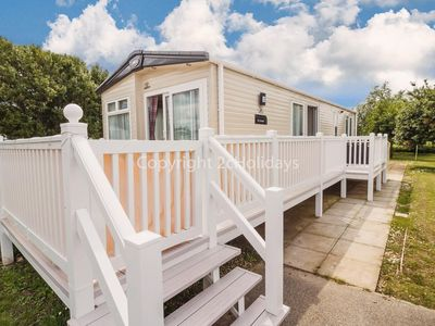 Photo for 6 berth platinum home with decking at Manor park in Hunstanton ref 23210