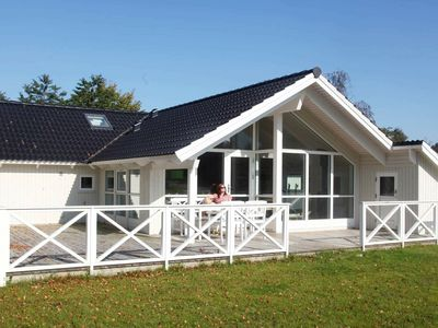 Photo for Idyllic Holiday Home in Hovedstaden near Sea