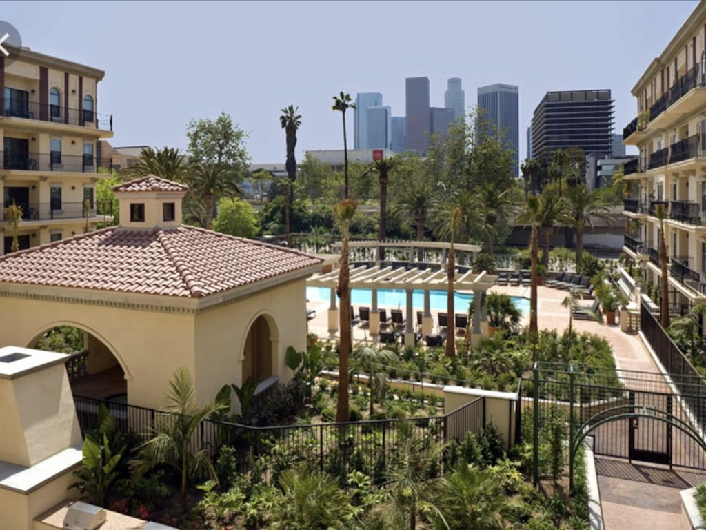 Hotels vacation rentals near los angeles state historic for Cabins near los angeles