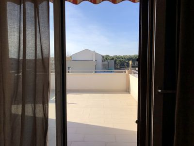 Photo for Apartment with 3 bedrooms, 2 bathrooms, balcony, near the sea.