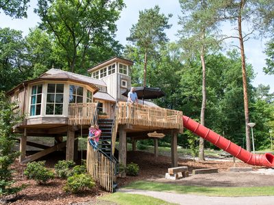 Photo for 4-person tree house in the holiday park Landal Miggelenberg - in the woods/woodland setting