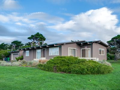Photo for Gorgeous, dog-friendly, oceanview home with private hot tub