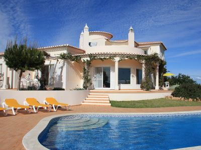 Photo for 5BR Villa Vacation Rental in Estômbar, Faro