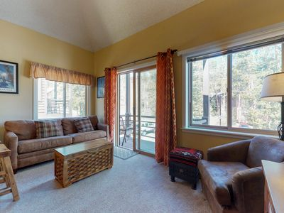 Photo for Ski-in/ski-out condo w/ a deck & a shared hot tub - 2 dogs welcome!