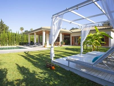 Photo for Luxury villa for 8 people with pool, airconditioning and wifi