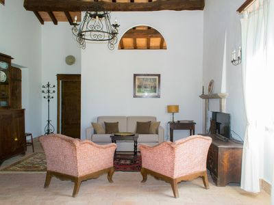 Photo for Elegant chalet immersed in the countryside of Pitigliano