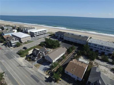 Photo for Downtown Bethany Beach. Just one from ocean! 46 N. Atlantic