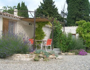 Photo for Charming gite (sleeps 2-4) with beautifull secluded garden, near Carcassonne.